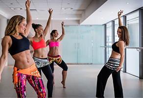 Записаться на восточные танцы в фитнес клубе