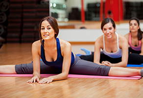 Йога в фитнес зале. Развитие гибкости в Иванове