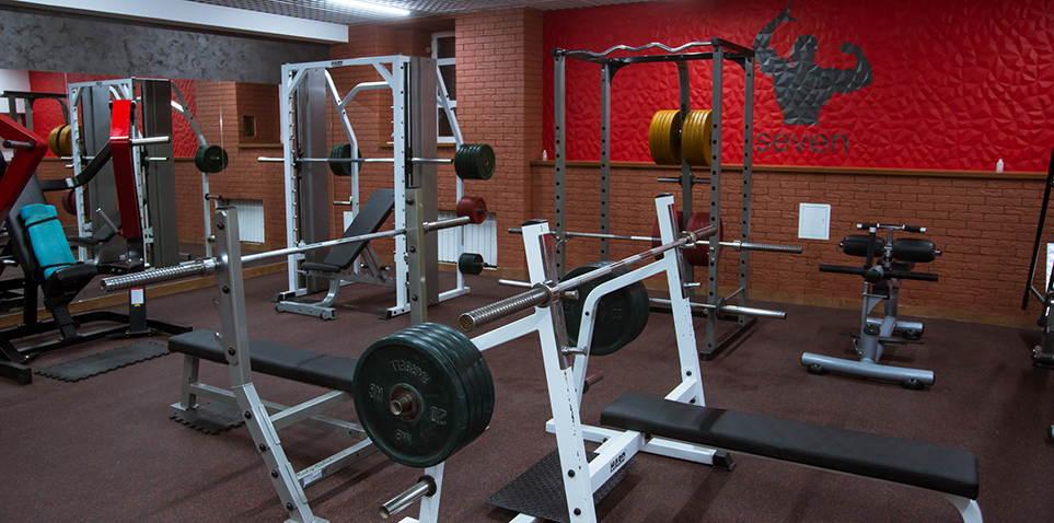 Тренажерные залы фитнес клуба севен
