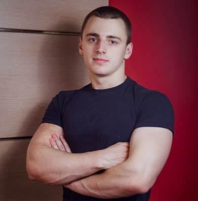 Тренер севен фитнес Иваново Влад Артюгин